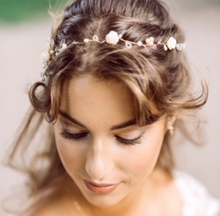 Bride with simple hairvine