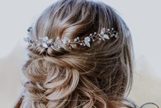 Boho silver leaf hairvine in brides hair